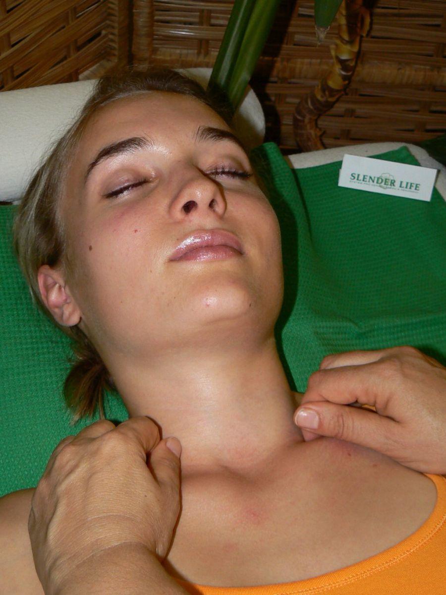 extrémní masáž cum v ústech